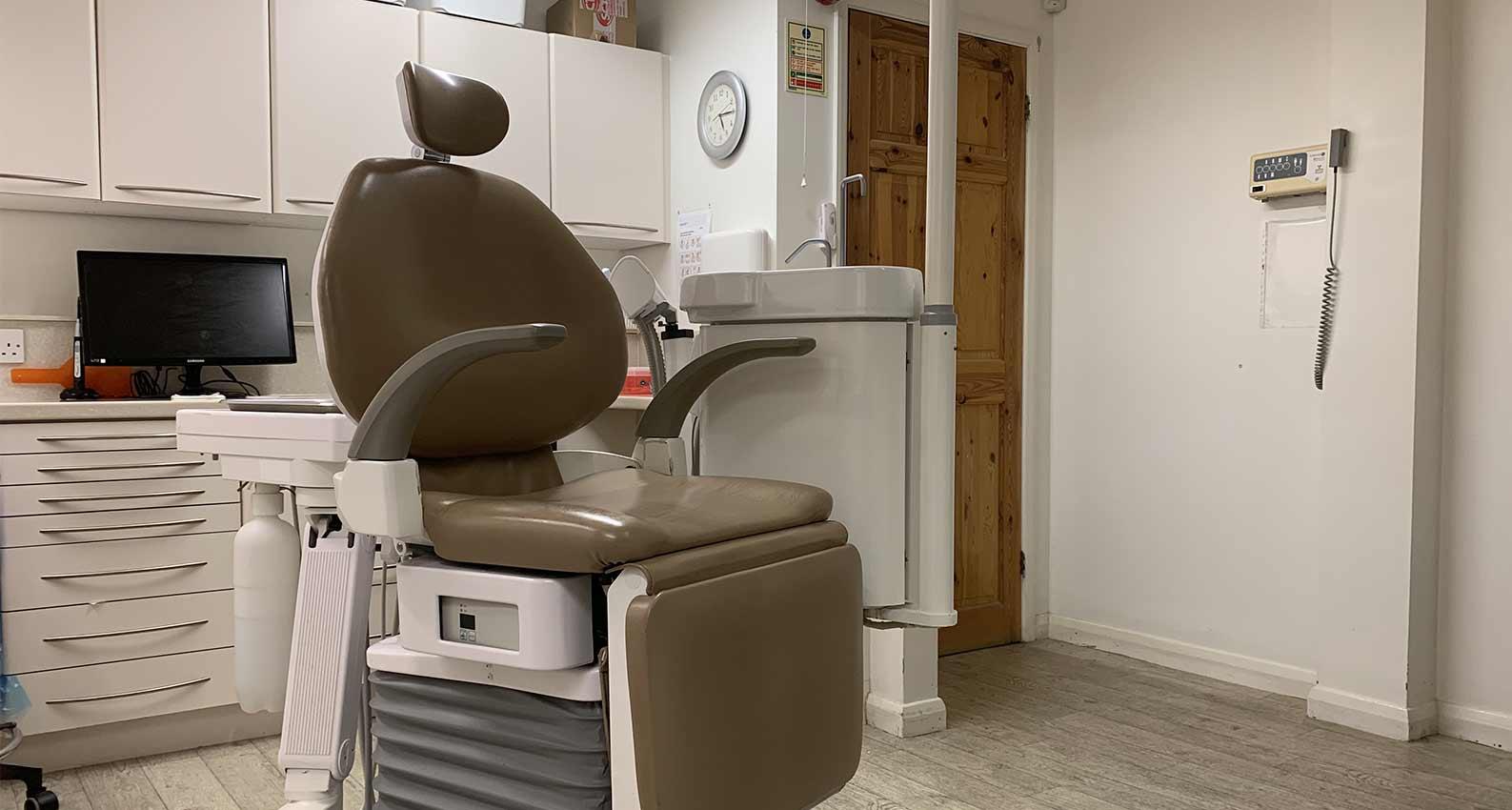 Hertfordshire Dentist phone number